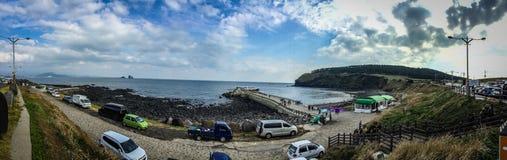 Turisten besökte den Seongaksan kusten, det berömda kust- drevet w Royaltyfri Fotografi