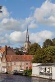 Turister i Bruges, Belgien Arkivfoto