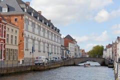 Turister i Bruges, Belgien Royaltyfri Bild