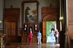 Turister i den Vorontsovsky slotten Arkivbilder