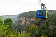 Turister i skyway gå på de tre systrarna Royaltyfri Fotografi