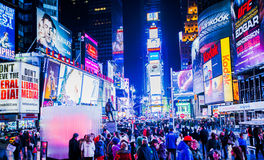 Turister i Times Square Royaltyfria Foton