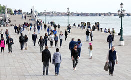 Turister i Venedig, Italien Arkivfoton