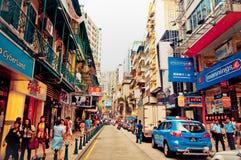 turister och shoppare i Macao Arkivfoton