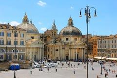 Turister på piazza di Popolo, Rome, Italien Arkivbild