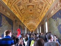Turister på Vaticanen Fotografering för Bildbyråer