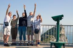 Turister på vagga av Gibraltar Royaltyfri Bild