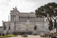 Turister som besöker den Altare dellaen Patria (nationell monument till Royaltyfri Foto