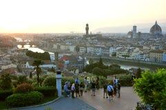 Turister som besöker den Florence staden, Italien royaltyfri bild