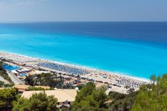 Turister som besöker Kathisma, sätter på land, Lefkada, Ionian öar, Grekland arkivfoto