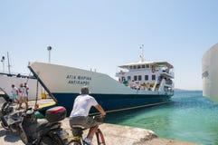 Turister som reser med färjan, Grekland royaltyfria foton