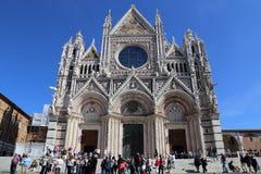Turisti alla cattedrale di Siena, Italia Immagini Stock Libere da Diritti