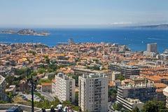 Turisti che trascurano la bellezza di Marsiglia fotografia stock libera da diritti