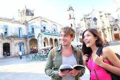 Turisti - corsa turistica delle coppie a Avana, Cuba Fotografia Stock