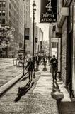 Turisti e locali di NEW YORK avanti Fotografia Stock