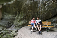 Turisti in gole svizzere Fotografie Stock Libere da Diritti