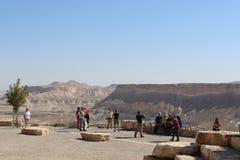 Turisti nel parco nazionale di Ben Gurion in Israele Fotografia Stock