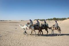 Turisti nel Sahara Fotografia Stock
