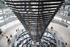 Turisti in Reichstag Berlino Germania Fotografia Stock Libera da Diritti
