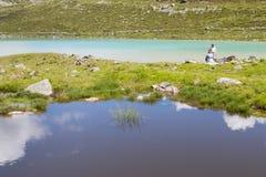 Turisti a Rifflsee in Austria di estate, editoriale Immagini Stock Libere da Diritti