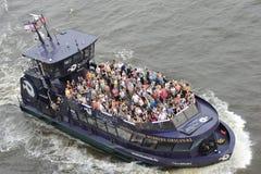 Turisti su un battello da diporto, Amburgo, Germania Fotografia Stock
