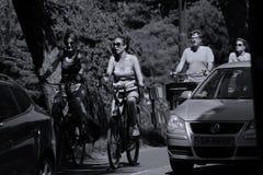Turisti sulla bici in Aalsmeer, Paesi Bassi Fotografie Stock
