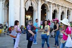 Turisti a Venezia, Italia fotografia stock