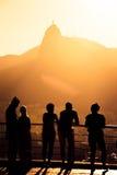 Turistkonturer på en Pao gör Asucar arkivfoton