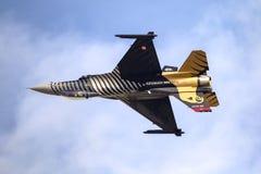 Turk Air Aerobatics Show solo dans Teknofest Istanbul image stock
