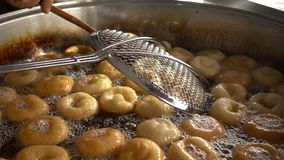 Turk Anatolia Traditional Sweet Dessert Donut namngav Lokma stock video