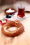 turk för simit t för rkish s för bagelsnabbmatmedel Fotografering för Bildbyråer