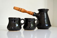 Turka para o café e os copos de café Foto de Stock