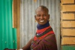 Turkana kobieta w tradycyjnym odziewa Zdjęcie Stock
