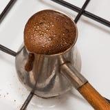 Turken för att laga mat av kaffe Royaltyfri Foto