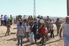 TURKIET ÖPPNADE DESS GRÄNS TILL SYRIAN Arkivfoto