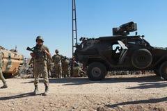TURKIET ÖPPNADE DESS GRÄNS TILL SYRIAN Arkivfoton