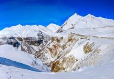 Turkiet centrala Taurus Mountains, Aladaglar (Anti--Oxen) sikt från platån Edigel (Yedi Goller) Royaltyfri Fotografi
