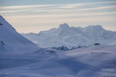Turkiet centrala Taurus Mountains, Aladaglar (Anti--Oxen) sikt från platån Edigel (Yedi Goller) Royaltyfria Bilder
