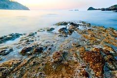 Turkiet Phaselis som är sjunken in i havet, fördärvar av en forntida civilisation Arkivbilder