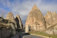 Turkije. Cappadocia. De schoorstenen van de fee in Gereme stock afbeeldingen