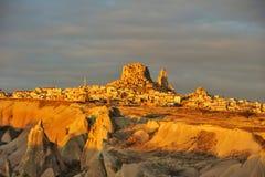 Turkije. Cappadocia. Mening over rots-kasteel van Uchisar royalty-vrije stock afbeelding