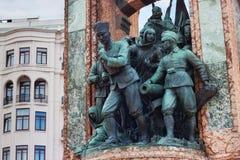 TURKIJE, ISTANBOEL - NOVEMBER 07, 2013: Elementen van het beroemde Monument van de Republiek op Taksim-vierkant Stock Foto