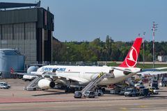 Turkish Airlines à l'aéroport de Berlin Tegel Photos stock