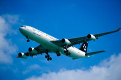 Turkish Airlines A340-311 sur la finale Photo libre de droits