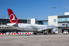 Turkish Airlines Airbus A321 at the Frankfurt Airport Stock Images