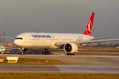 Turkish Airlines Boeing 777 Στοκ φωτογραφία με δικαίωμα ελεύθερης χρήσης