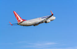 Turkish Airlines Boeing 737-800 leaving Riga Royalty Free Stock Photo