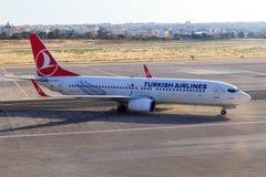 Turkish Airlines Boeing 737 på Malta Fotografering för Bildbyråer