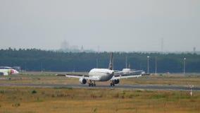 Turkish Airlines-Luchtbus A320 het landen stock video