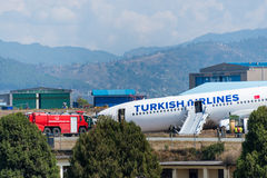 Turkish Airlines-Luchtbusneerstorting bij de luchthaven van Katmandu Stock Fotografie